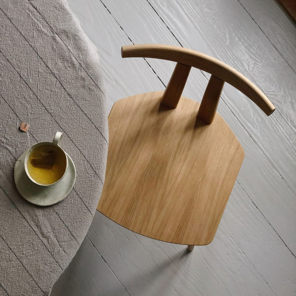 Dining table chair, oak lacquer
