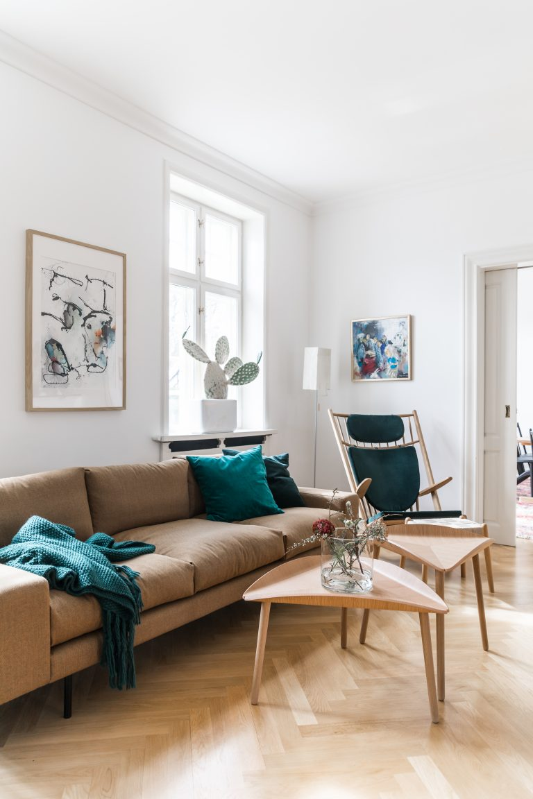 kaamos sofa with goliat armchair and trias tables