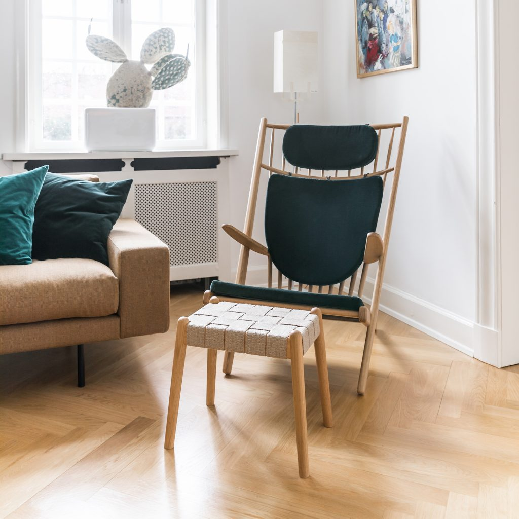 Design armchair, oak lacquer